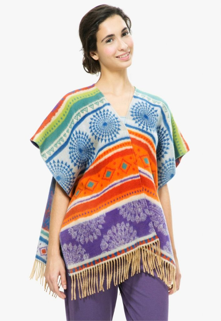 poncho cu model tribal