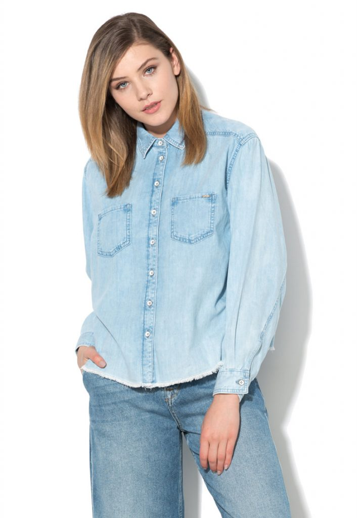 Camașă bleu de chambray cu margini franjurate Pepe Jeans London